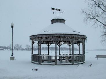 Image of gazebo with snow